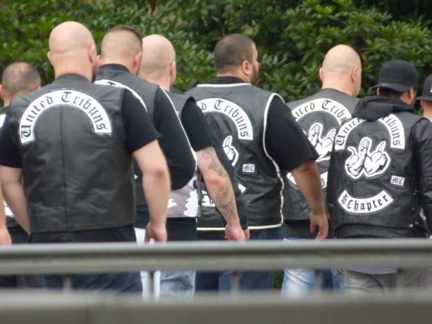 Abgang United Tribuns nach vorzeitigem Prozessende. Foto: Lucas Böhme