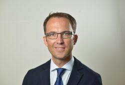 """""""Prof. Dr. Thomas Kremer ist der neue Chefarzt an der Klinik für Plastische und Handchirurgie am Klinikum St. Georg"""". Foto: Christian Modla"""