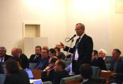 Sonst im Stadtrat bei der Arbeit: Die CDU-Fraktion. (Karsten Albrecht stehend). Foto: L-IZ.de