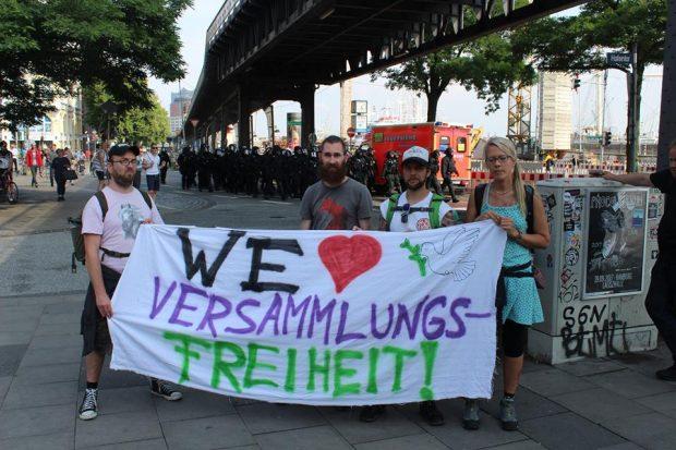 We love Versammlungsfreiheit. Foto: Jürgen Kasek