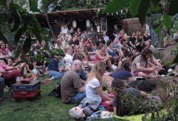 Besucher*innen beim Flimmergarten 2015. Foto: Querbeet