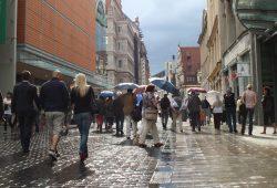 Fußgänger in der Grimmaischen Straße. Foto: Ralf Julke