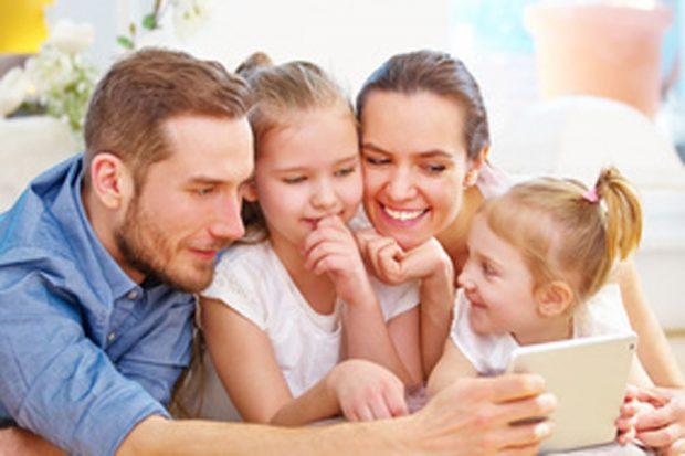 YouTube bietet Inhalte für die ganze Familie. Foto: Robert Kneschke_fotolia.com