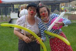 Die Clowns Ulla und Jacky Paff sorgen für lustige Stimmung. Foto: UNITAS