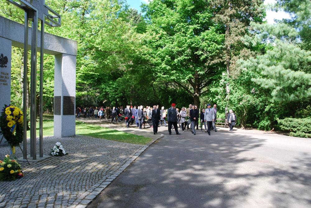 Kranzniederlegung am Ostfriedhof. Foto: Stadt Leipzig