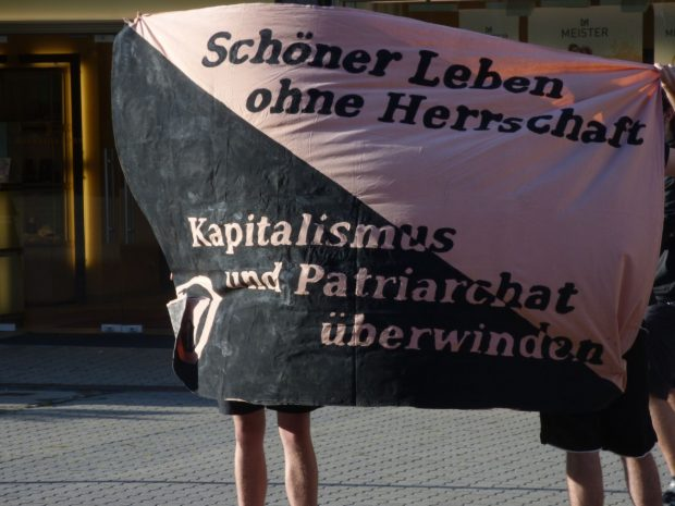 Protest hinter der Alten Handelsbörse. Foto: Lucas Böhme