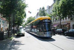 Bornaische Straße - hier mit der neuen XL-Straßenbahn. Foto: Ralf Julke
