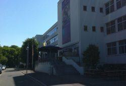 In der ehemaligen Schulgasse – heute Eichlerstraße – feiert die Diakonie am Thonberg am 1. September ihr Straßenfest. Früher war in dem Gebäude eine Schule untergebracht. Foto: BBW-Leipzig-Gruppe