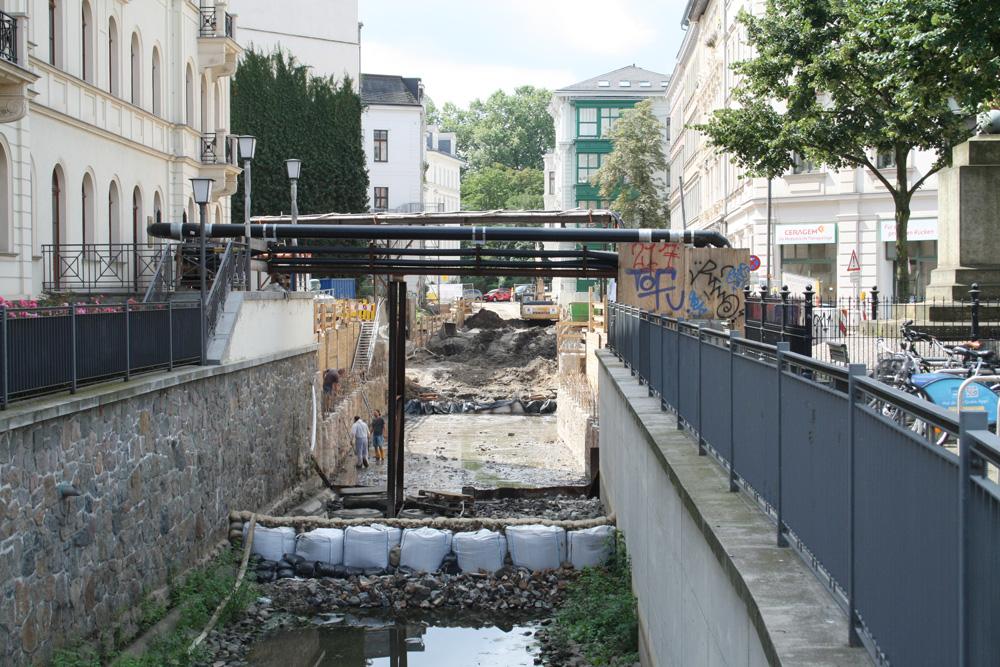 Bauarbeiten am Elstermühlgraben, Höhe Thomasiusstraße. Foto: Ralf Julke