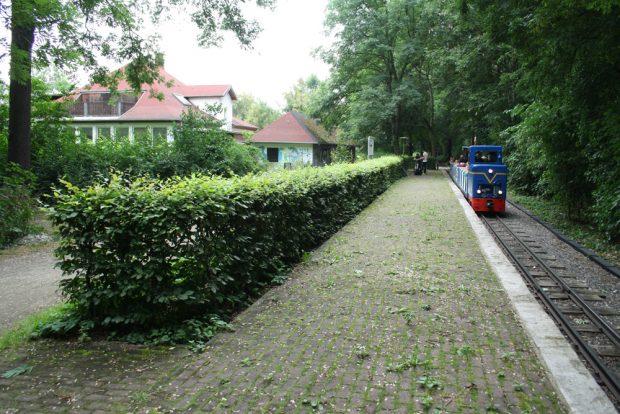 Ehemalige Jugendherberge und Station der Parkeisenbahn. Foto: Ralf Julke