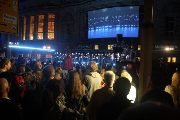 Lichtfest 2014 mit großer Runde um den Ring. Foto: Ralf Julke