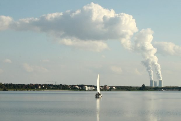 Und hief jetzt ein fettes Kernkraftwerk hin? Kohlekraftwerk Lippendorf im Leipziger Süden. Foto: Ralf Julke