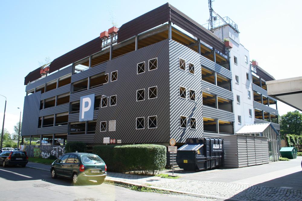 Parkhaus in der Scheffelstraße. Foto: Ralf Julke