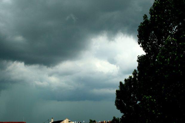 Der Regen kommt ... Foto: Ralf Julke