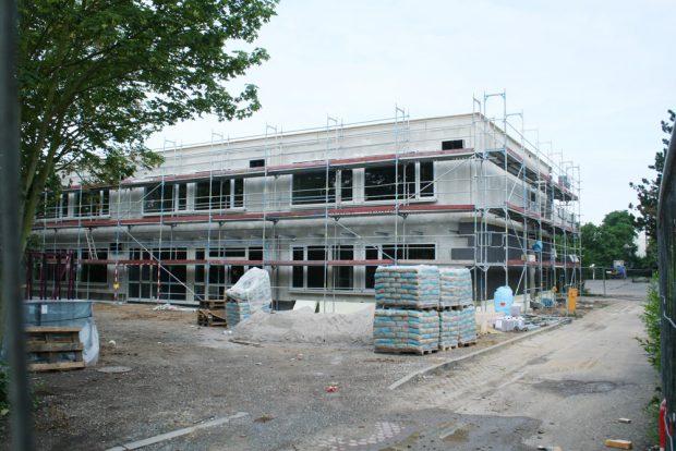 Systembau - hier für die Paul-Robeson-Schule. Foto: Ralf Julke