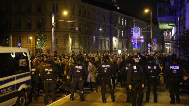 Die Blockade auf der Karli/Petersteinweg. Foto: L-IZ.de
