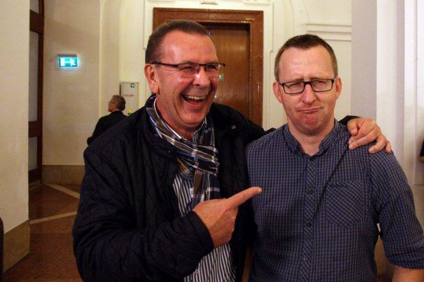 Achim Haas und Norman Volger nach der Hochrechnung. Foto: L-IZ.de