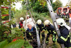 Der Dummy konnte unversehrt gerettet werden. Foto: Leipziger Stadtwerke