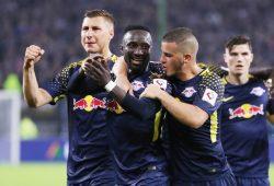 Die RBL-Spieler bejubeln das Traumtor von Keita in Hamburg. Gegen Monaco wird er möglicherweise fehlen. Foto: GEPA Pictures