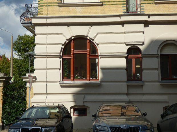 Diese Erdgeschosswohnung in der Südvorstadt wurde in der Nacht zum 24. November 2015 attackiert. Foto: Lucas Böhme