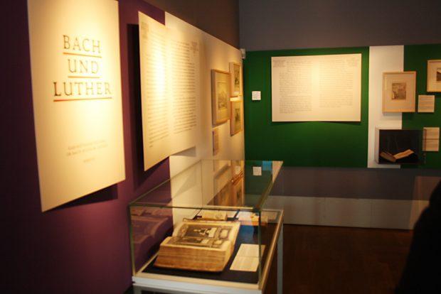 """In der Ausstellung """"Bach und Luther"""". Foto: Ralf Julke"""