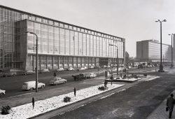 Das Gebäude der ehemaligen Hauptpost, um 1965. Foto: Stadtgeschichtliches Museum Leipzig