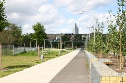 Lene-Voigt-Park bei seiner Eröffnung 2004. Foto: Ralf Julke