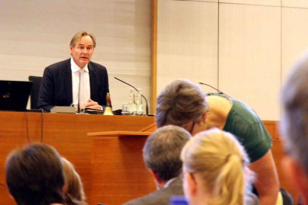 OBM Burkhard Jung unter Druck. Foto: L-IZ.de