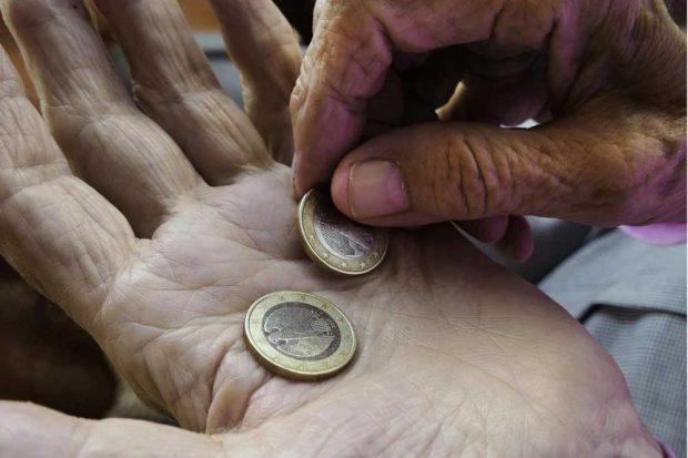 Frauen müssen mehr für Altersvorsorge tun. Foto: pixabay.com / anaterate