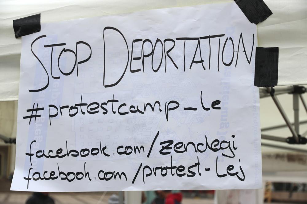 """Die afghanisch-deutsche Anti-Abschiebungskampagne """"Zendegi"""" macht täglich im Netz und auf dem Augustusplatz mobil gegen Abschiebungen. Foto: L-IZ.de"""