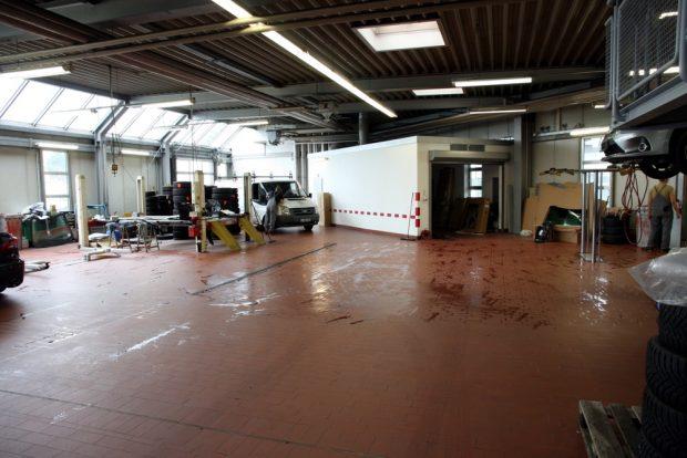 Der Ort, wo Dhruv Patel am Dienstag, 5. September von der Polizei abgeholt wurde. Die Werkstatt von Auto Saxe. Foto: L-IZ.de