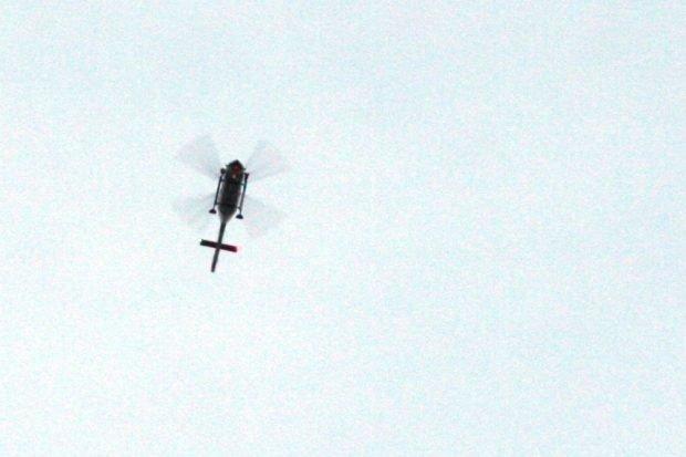 Ab etwa 19 Uhr in der Luft, der Polizeihubschrauber. Foto: L-IZ.de