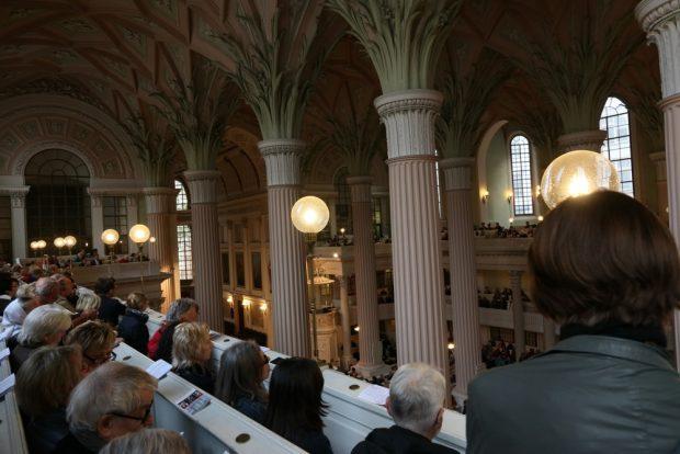 1.400 Menschen lauschten und beteten. Foto: L-IZ.de