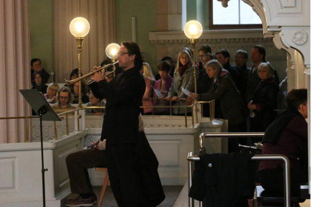 Musik gabs auch - Orgel und Trompete. Foto: L-IZ.de