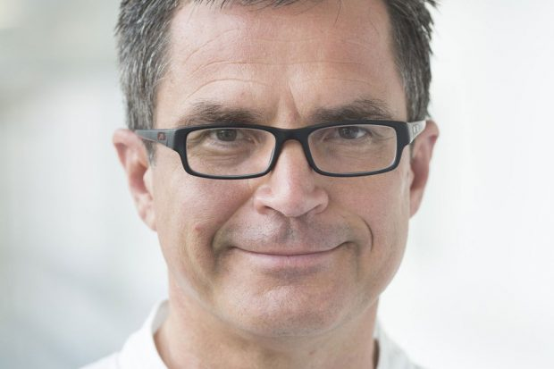 Prof. Andreas Roth, Leiter des Bereichs Endoprothetik/Orthopädie am UKL. Foto: Stefan Straube/UKL