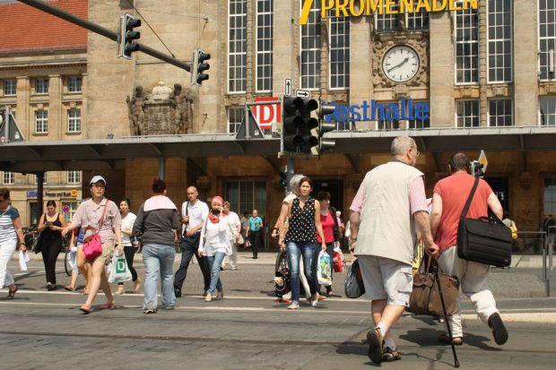 Situation vor der Westhalle des Hauptbahnhofs. Foto: Ralf Julke