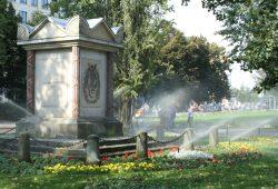 Der beliebte Park am Müller-Denkmal. Foto: Ralf Julke