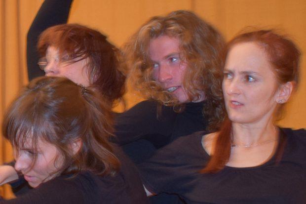 """Was wollen Sie noch? Foto: Theatergruppe """"Generationen im Dialog"""""""