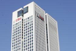 Der Turm des UBS-Hauptquartiers im Frankfurter Bankenviertel. Foto: Sebastian Beyer