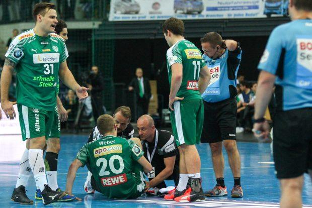 Bitter: Noch nicht einmal zehn Minuten waren gespielt, als Philipp Weber verletzungsbedingt nicht mehr weiter machen konnte Foto: Jan Kaefer