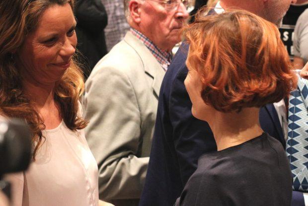 Antja Feiks (hier mit Bundeschefin Katja Kipping) löste am 4. November beim in Chemnitz Rico Gebhardt als neue Landeschefin in Sachsen ab. Foto: L-IZ.de