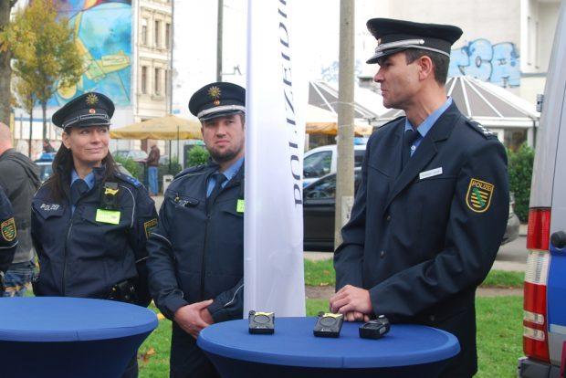 Polizeisprecher Andreas Loepki (r.). Foto: René Loch