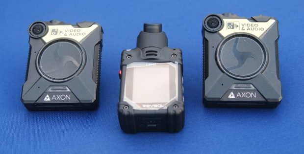 Die beiden Bodycam-Modelle. Foto: René Loch
