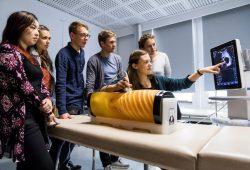 Medizinstudierende in der Leipziger LernKlinik. Foto: Universität Leipzig, Christian Hüller