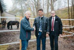 Offizielle Übergabe der Exmoor-Ponys an den PSV Grünstädtel in Schwarzenberg. Foto: Porsche AG