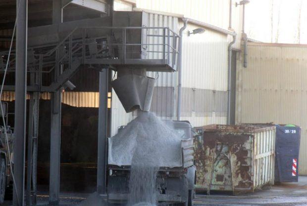 """Rund eine Million Tonnen Industrieabfälle wurden durch die Anlage der S.D.R. Biotec geschleust. Foto: Bürgerverein """"Sauberes Delitzscher Land"""", mit frdl. Genehmigung von muellrausch.de"""