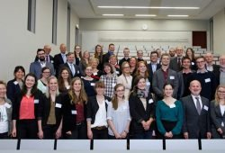 Deutschlandstipendiaten der Universität Leipzig und einige ihrer Förderer. Foto: punctum / Alexander Schmidt