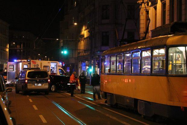 Dieses Mal knallte es an der kleinen Kreuzung Jahnallee/Lessingstraße. Foto: L-IZ.de
