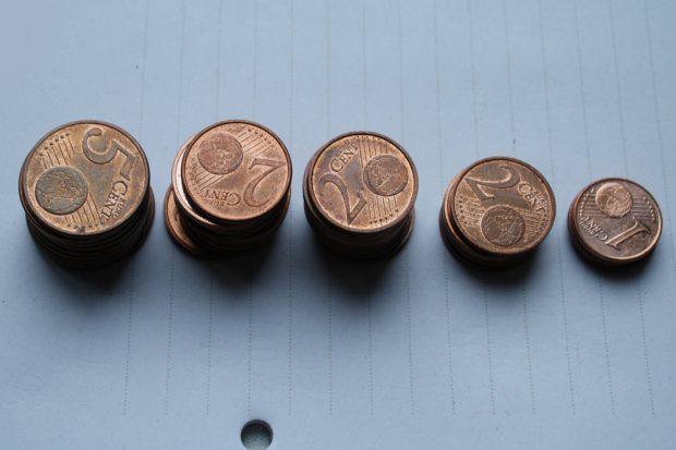 Cent-Beträge. Foto: Ralf Julke