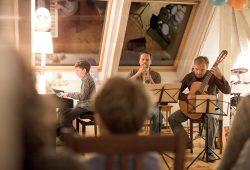 Hausmusik unterm Dach im vergangenen Jahr. Foto: Daniel Reiche